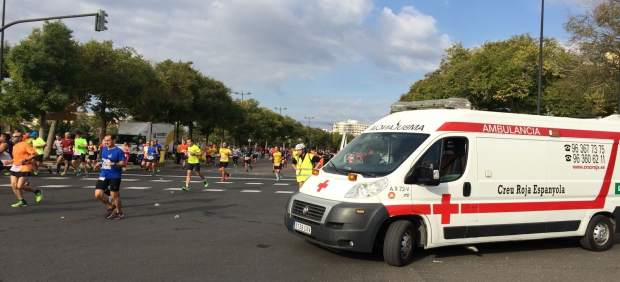 Ambulancia de la organización en la carrera