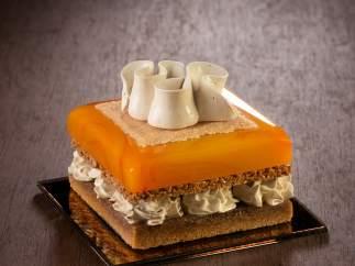 Pastel de naranja y crema