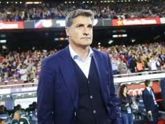 """Míchel, al árbitro en el Camp Nou: """"Para el partido, me están llamando maricón"""""""