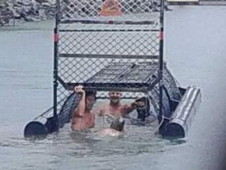 Nadan en un lago lleno de cocodrilos
