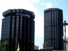 CaixaBank gana la cifra récord de 1.488 millones, 53,4 % más, al integrar BPI