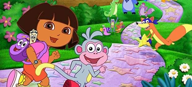 El director Michael Bay produdirá la película de imagen real de Dora, la exploradora
