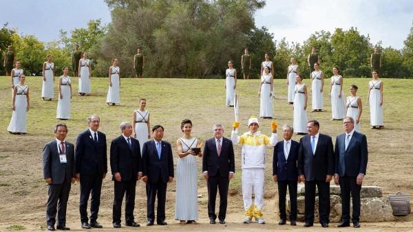 Thomas Bach preside el encendido de la llama olímpica de Pyeongchang 2018
