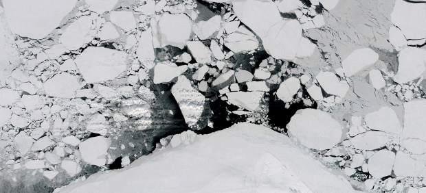 Ruptura temprana de hielo en el mar de Beaufort, Ártico, 2015