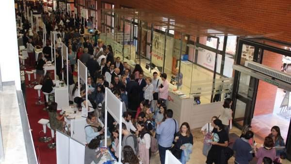 Estudiants i titulats es donen cita en el XII Fòrum d'Ocupació de la Universitat de València