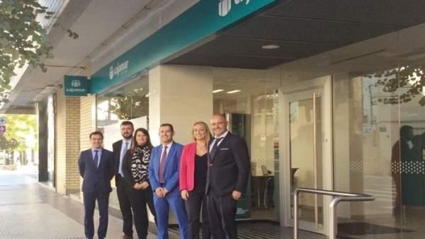 Cajamar abre nueva oficina en fraga huesca for Oficinas de cajamar