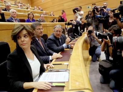 La vicepresidenta del Gobierno, Soraya Saénz de Santamaría, en el Senado.