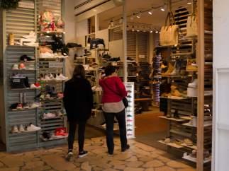 Tiendas, tienda, Ulanka, ropa, compras, compra, gente comprando, precio
