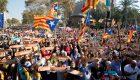 17.000 personas rodean el Parlament por la DUI