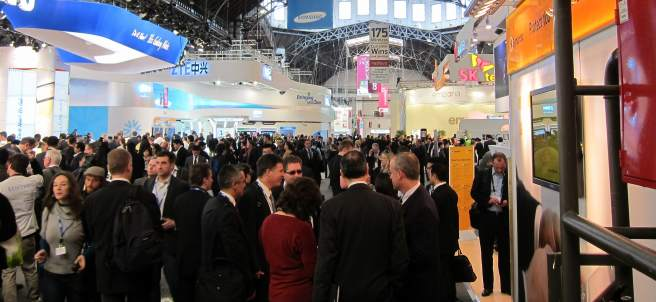 El MWC Replet De Visitants. Mobile World Congress.