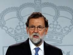 """Rajoy acusa a Sánchez de """"debilitar a España"""""""