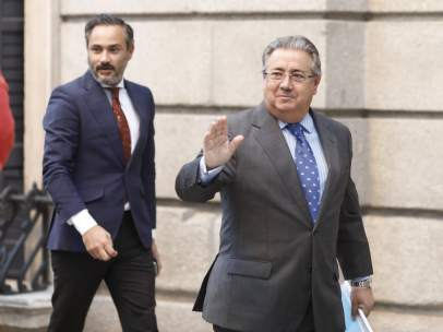 Juan Ignacio Zoido entra en el Congreso.