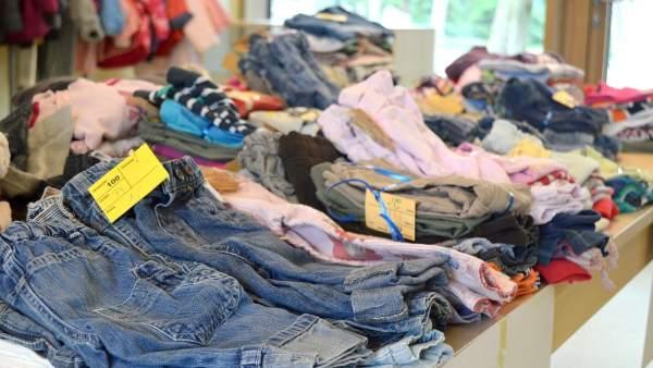 2dbd53bed La compraventa de ropa infantil usada se duplica en dos años