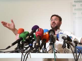 Albano-Dante Fachin, secretario general de Podem, en una rueda de prensa.