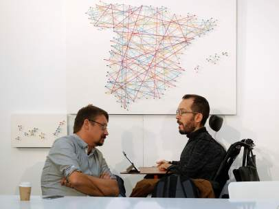 Xavier Domènech (Catalunya en Comú) y Pablo Echenique, secretario de Organización de Podemos.