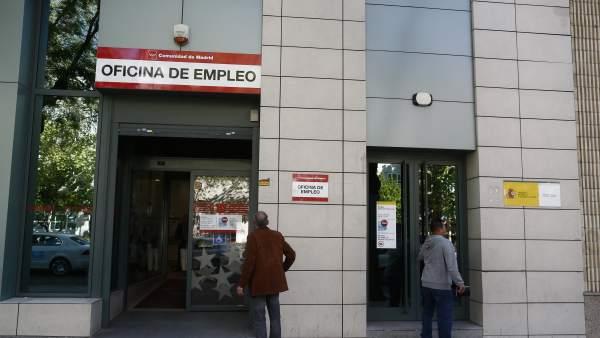 El paro sube en personas en octubre en extremadura for Oficina seguridad social madrid