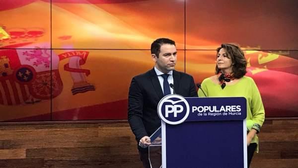 Teodoro García e Isabel Borrego, en rueda de prensa
