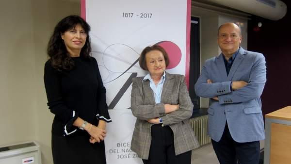 Ana redondo, Ángela Hernández y Martín Garzo.