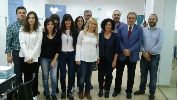 Del Moral (3d) visita la sede de Andalucía Compromiso Digital.