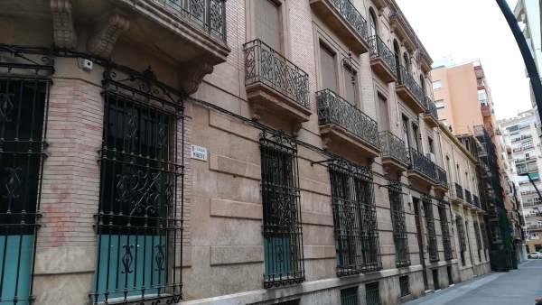 Edificio ubicado en el número 1 de la calle Minero