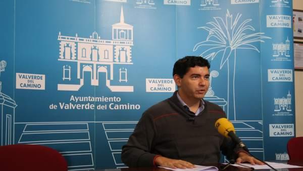 El alcalde de Valverde del Camino, Maunel Cayuela.