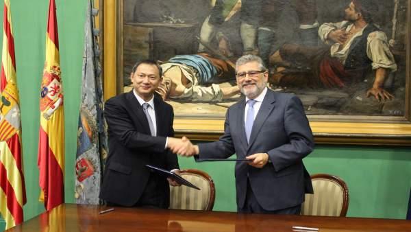 La UZ y la universidad china de Hubei firman un convenio de colaboración