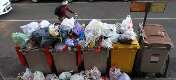 Hulega de basuras en Madrid