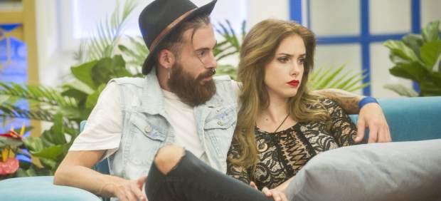 José María López, concursante expulsado de Gran Hermano Revolution y su pareja en el concurso, Carlota
