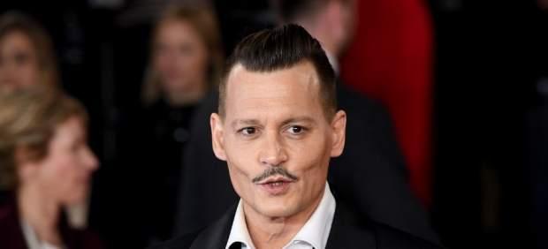 J. K. Rowling defiende que Johnny Depp actúe en 'Animales fantásticos 2'