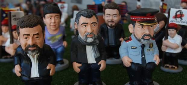 Los caganers de Jordi Sánchez, Jordi Cuixart y el de Mayor Trapero, en primer plano.