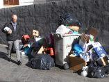 Otra calle donde se amontona la basura