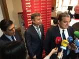 Alberto Santamaría y detrás Mario Buisán.
