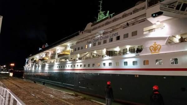 Crucero 'Braemar', en el Muelle de las Delicias de Sevilla