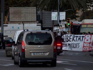 Cortes de vías por la huelga en Cataluña