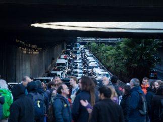 Otra vía cortada en Barcelona