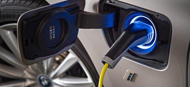 Carga eléctrica de un BMW