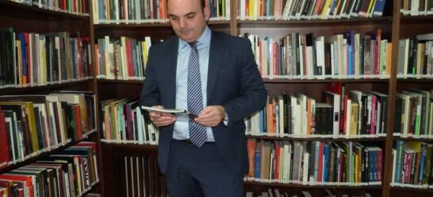 El diputado delegado de Bibliotecas de la DPT, Juan Carlos Gracia Suso