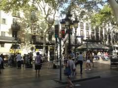 Instalan los primeros bolardos en La Rambla de Barcelona para evitar atropellos masivos