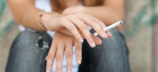 El 34% dels joves valencians van fumar en l'últim any, segons un estudi de l'AECC