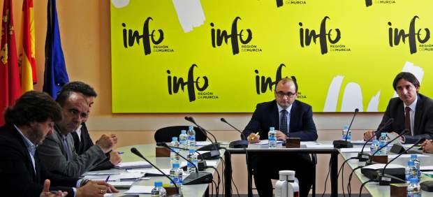 Foto/Reunión De La Comisión Técnica De La Unidad De Aceleración De Inversiones