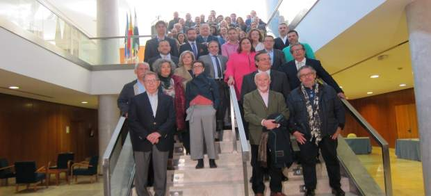Firma de adhesión del sector turístico al Pacto por el Ferrocarril