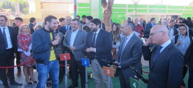López Miras, participa en una de las actividades
