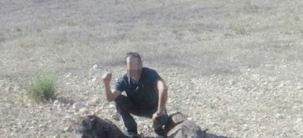 Imagen de la foto colgada en Internet por uno de los denunciados