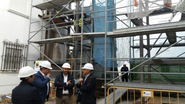 Visita obras del Programa de Rehabilitación Edificatoria en Cádiz