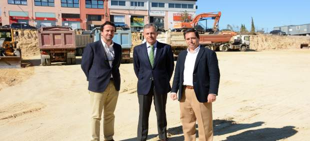 Acto de colocación de la primera piedra del proyecto 'Cartuja III' en Tomares