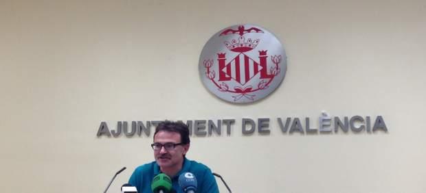 Giuseppe Grezzi en rueda de prensa