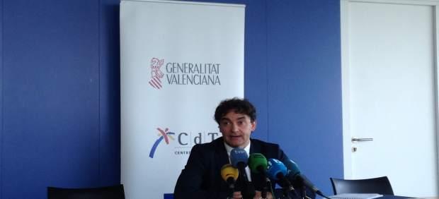 Francesc Colomer atiende a los medios en el CdT