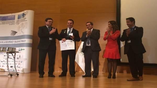 Entrega del reconocimiento al abogado sevillano Francisco José Fernández