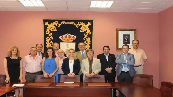 Reunión de la alcaldesa de alcalá de Guadaíra con respresentantes de FICA