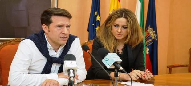 Óscar Medina, Alcalde De Torrox Y Sandra Extremera